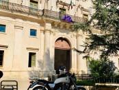 Una bella foto dinanzi al Palazzo ducale di Martina Franca (Foto di Aldo Leggeri)